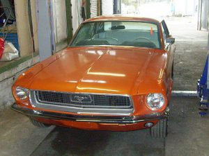 Ford_Mustang_Vorher_Orange